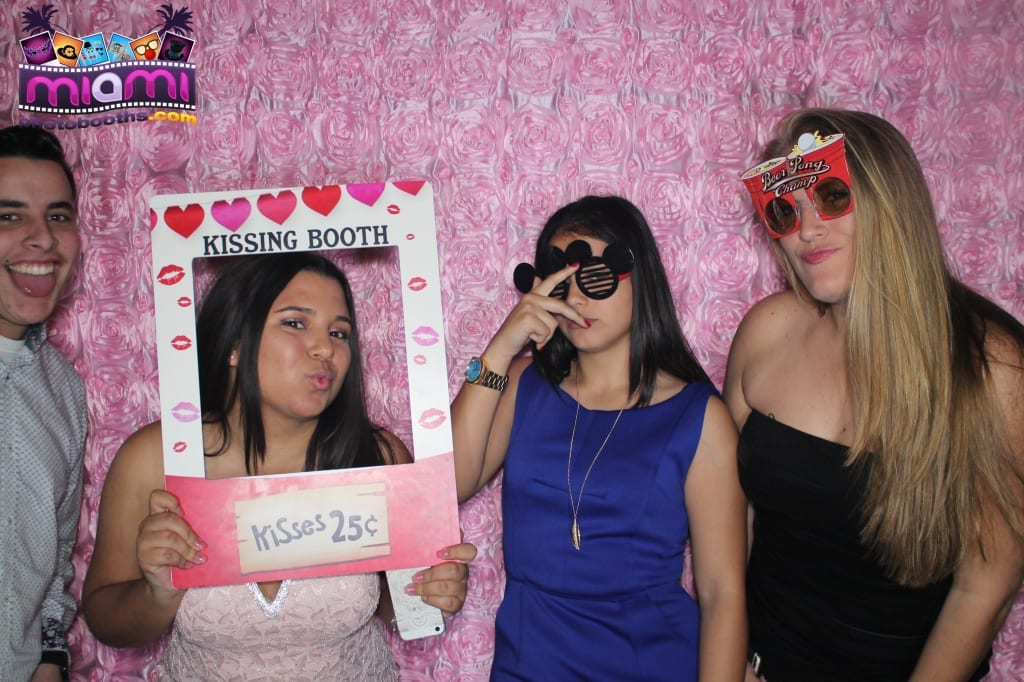 sandy-candyland-miami-photo-booth-121