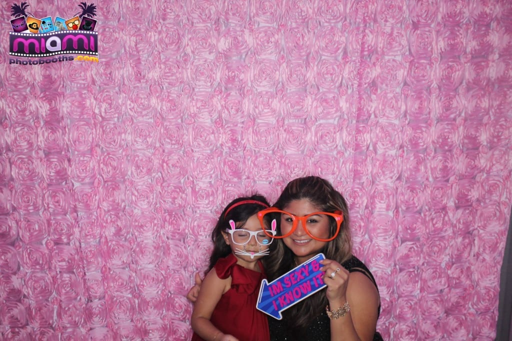 sandy-candyland-miami-photo-booth-123