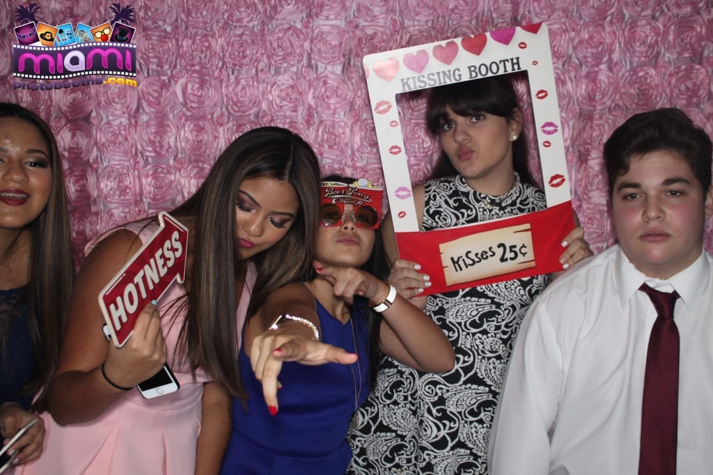 sandy-candyland-miami-photo-booth-146