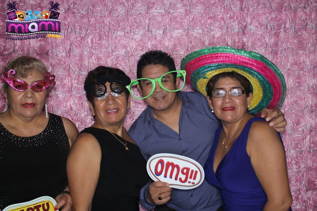 sandy-candyland-miami-photo-booth-221
