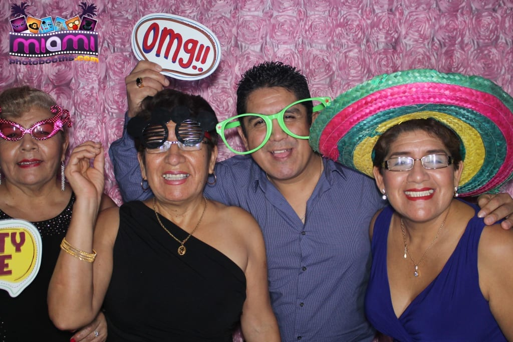 sandy-candyland-miami-photo-booth-222