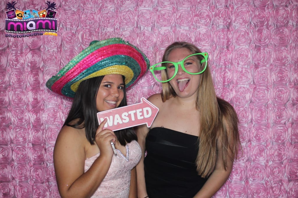 sandy-candyland-miami-photo-booth-231