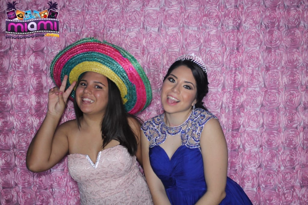 sandy-candyland-miami-photo-booth-238