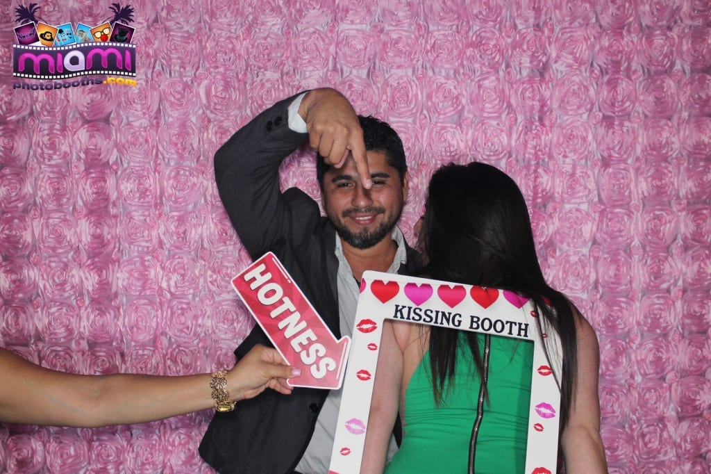 sandy-candyland-miami-photo-booth-247