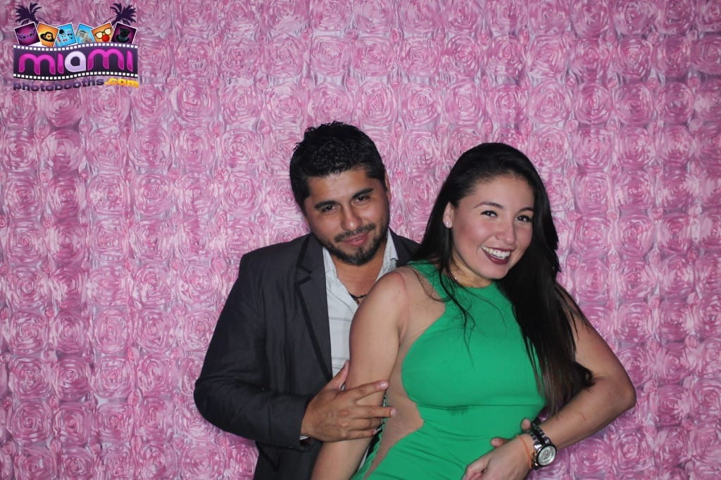 sandy-candyland-miami-photo-booth-250