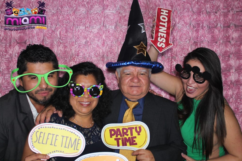 sandy-candyland-miami-photo-booth-258