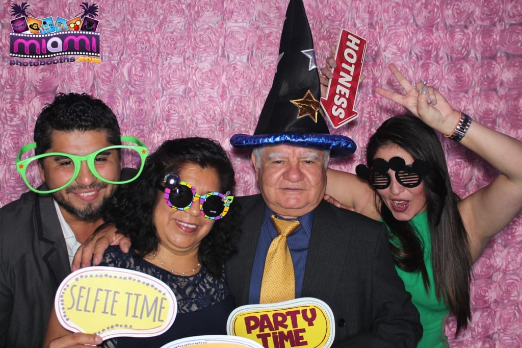 sandy-candyland-miami-photo-booth-259