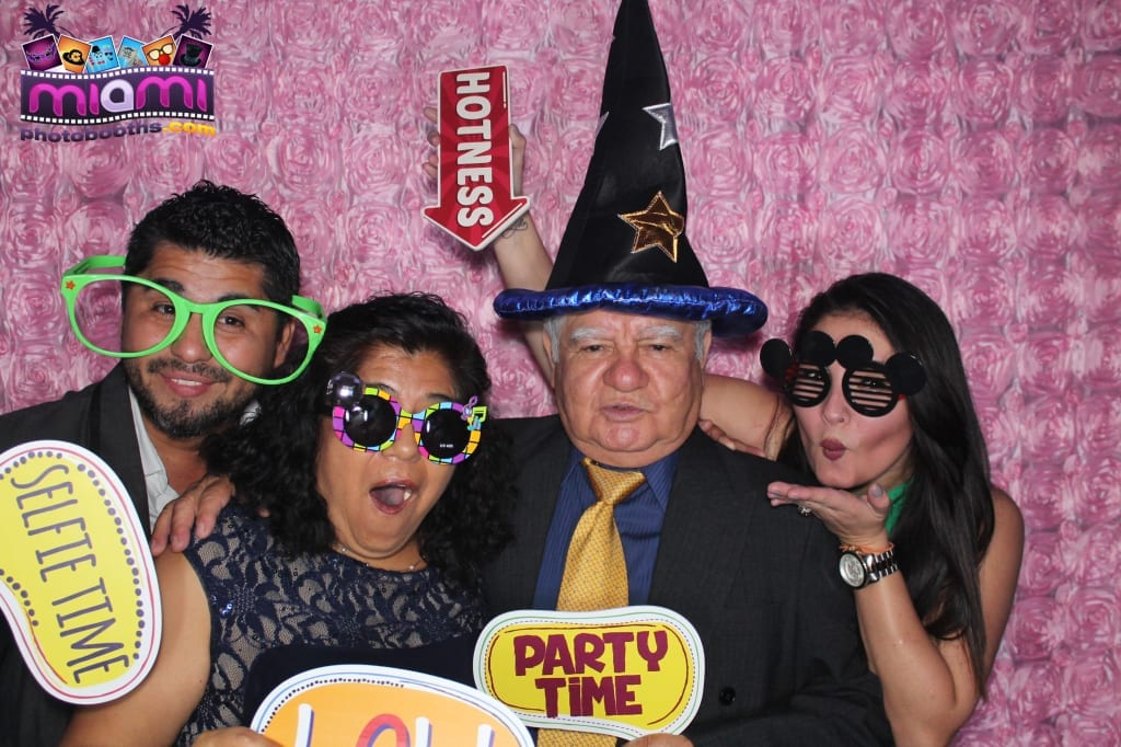 sandy-candyland-miami-photo-booth-260