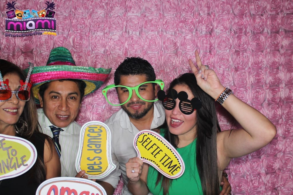 sandy-candyland-miami-photo-booth-264