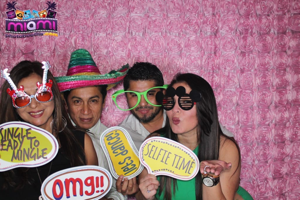 sandy-candyland-miami-photo-booth-265