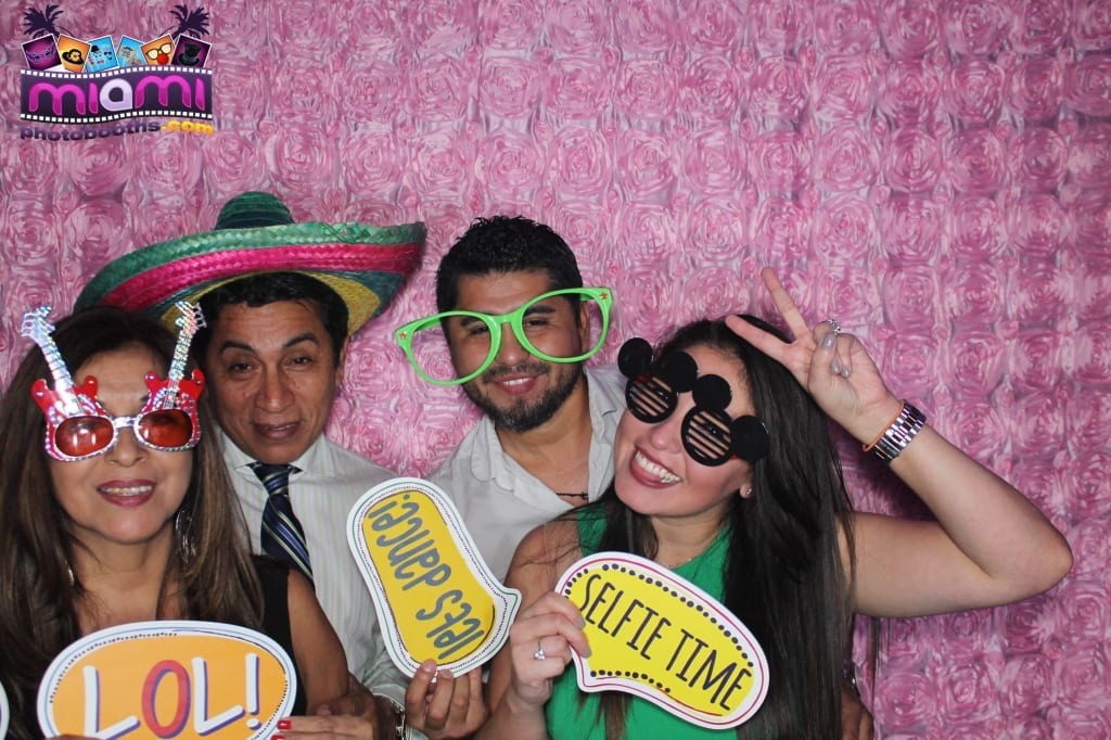 sandy-candyland-miami-photo-booth-266