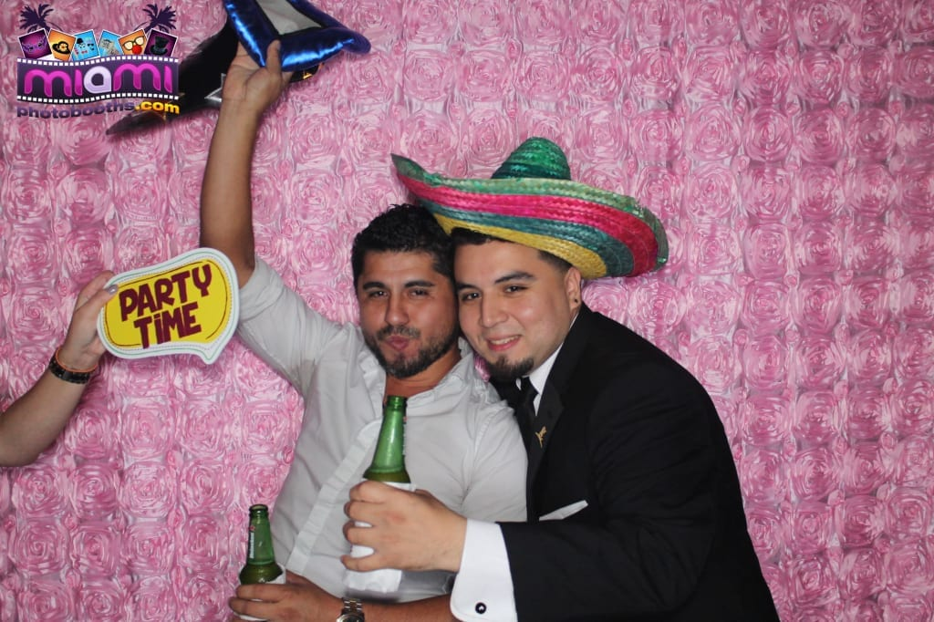 sandy-candyland-miami-photo-booth-270