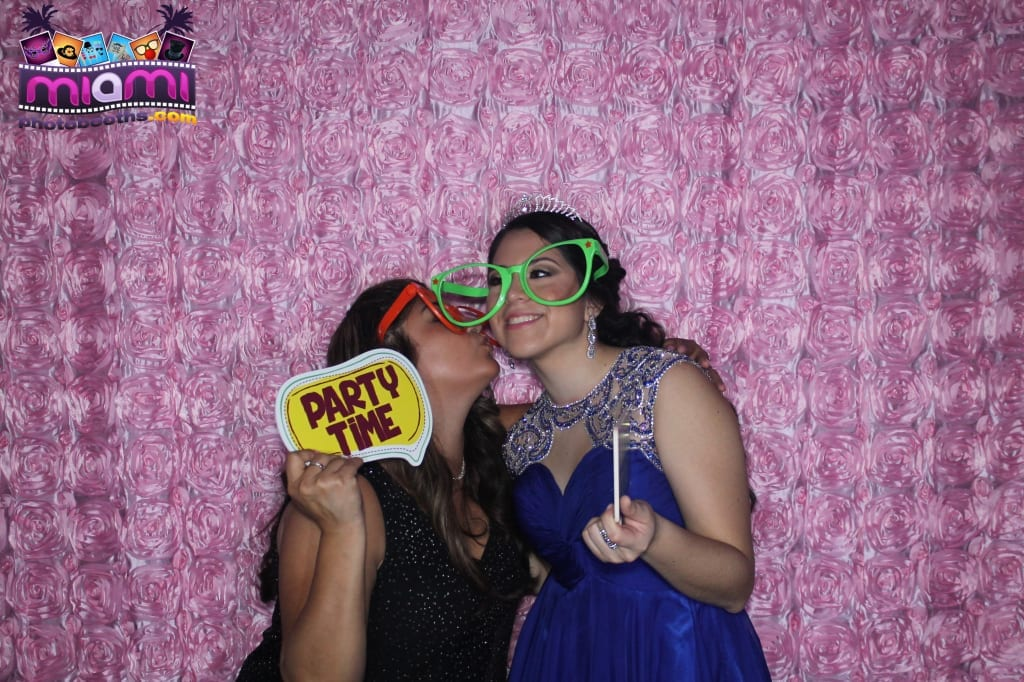 sandy-candyland-miami-photo-booth-290