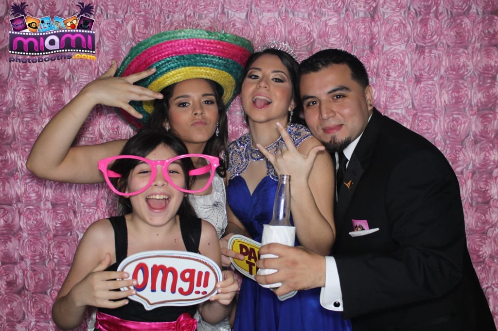 sandy-candyland-miami-photo-booth-298