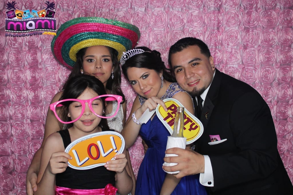 sandy-candyland-miami-photo-booth-299